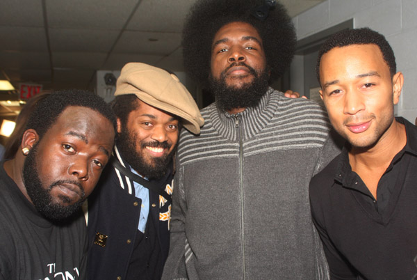 The Roots feat. Raheem DeVaughn – Tomorrow
