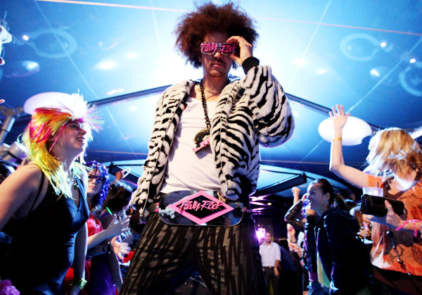Official Video: LMFAO – Sorry For Party Rocking