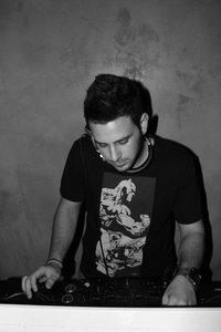 Ntino R. – ID (Original Mix) (Preview)