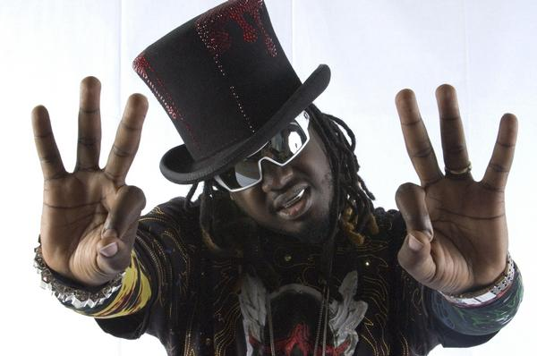 T-Pain feat. Rihanna, Snoop Dogg, 2 Chainz, Young Jeezy, B.o.B & Que – Up Down (Remix) (Preview)
