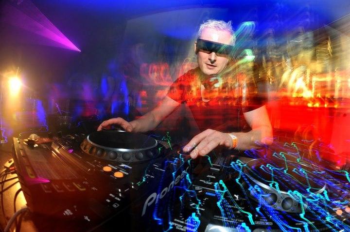 Nicky Romero feat. Krewella – Legacy (Kryder Remix)