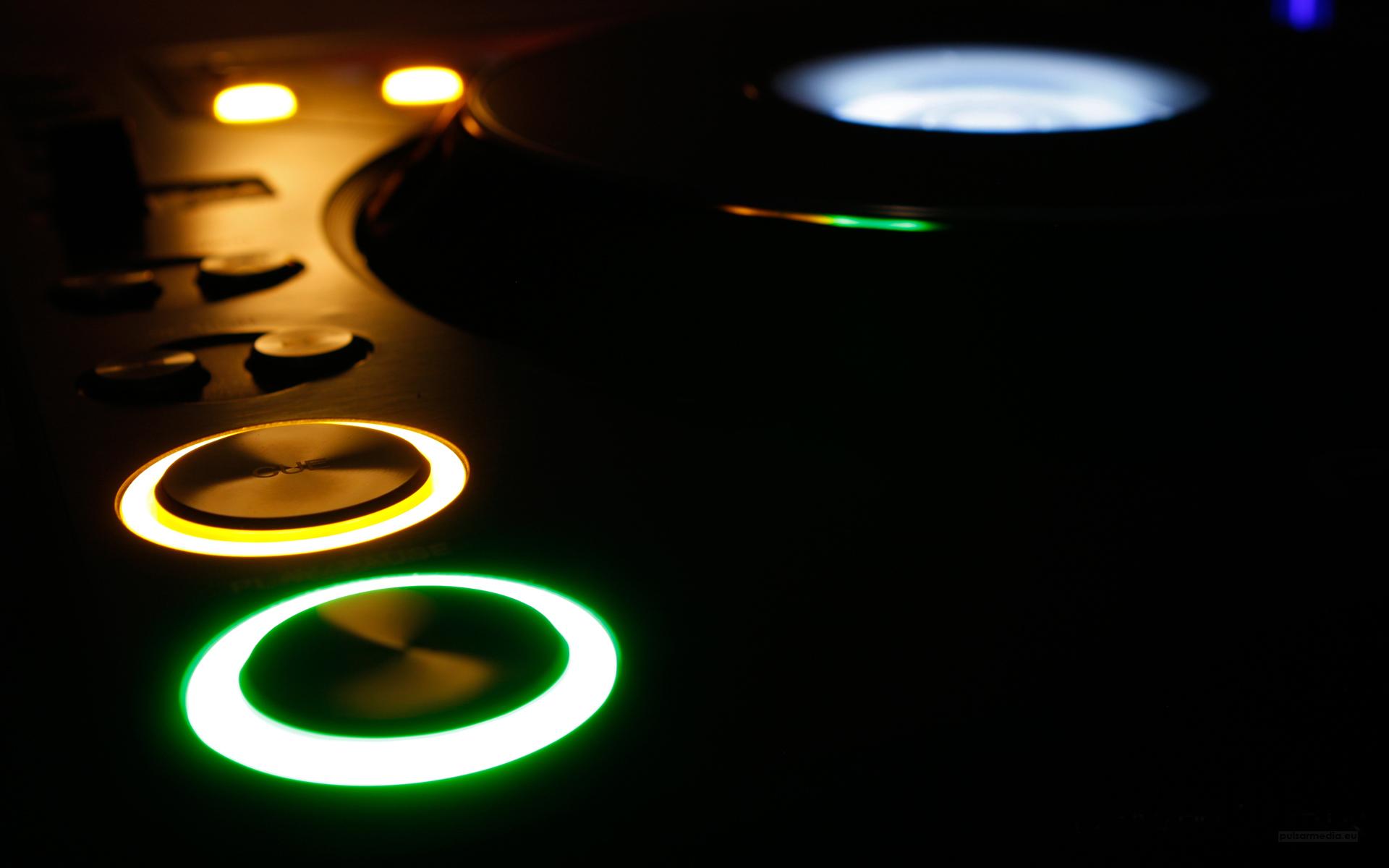 Τα 40 Καλύτερα Dance/House Κομμάτια του 2012 & Extras