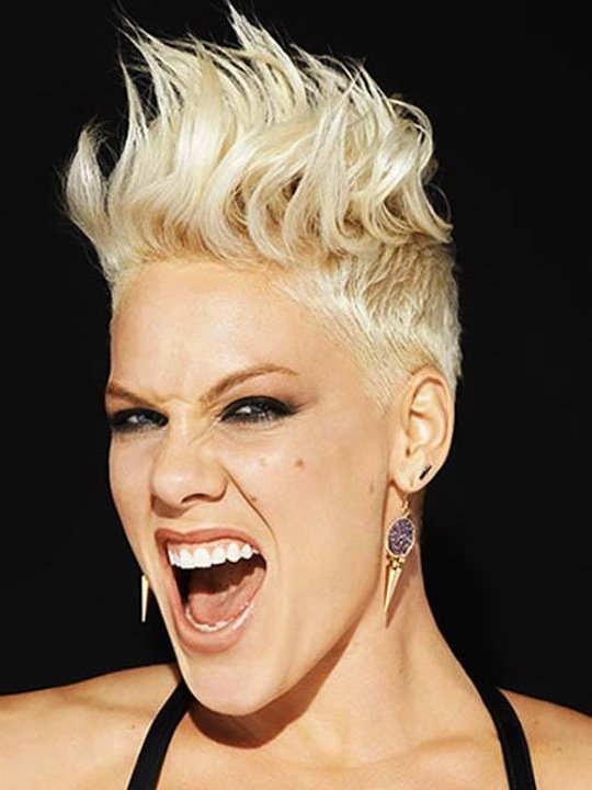 P!nk feat. Dallas Green – Break The Cycle (Video)