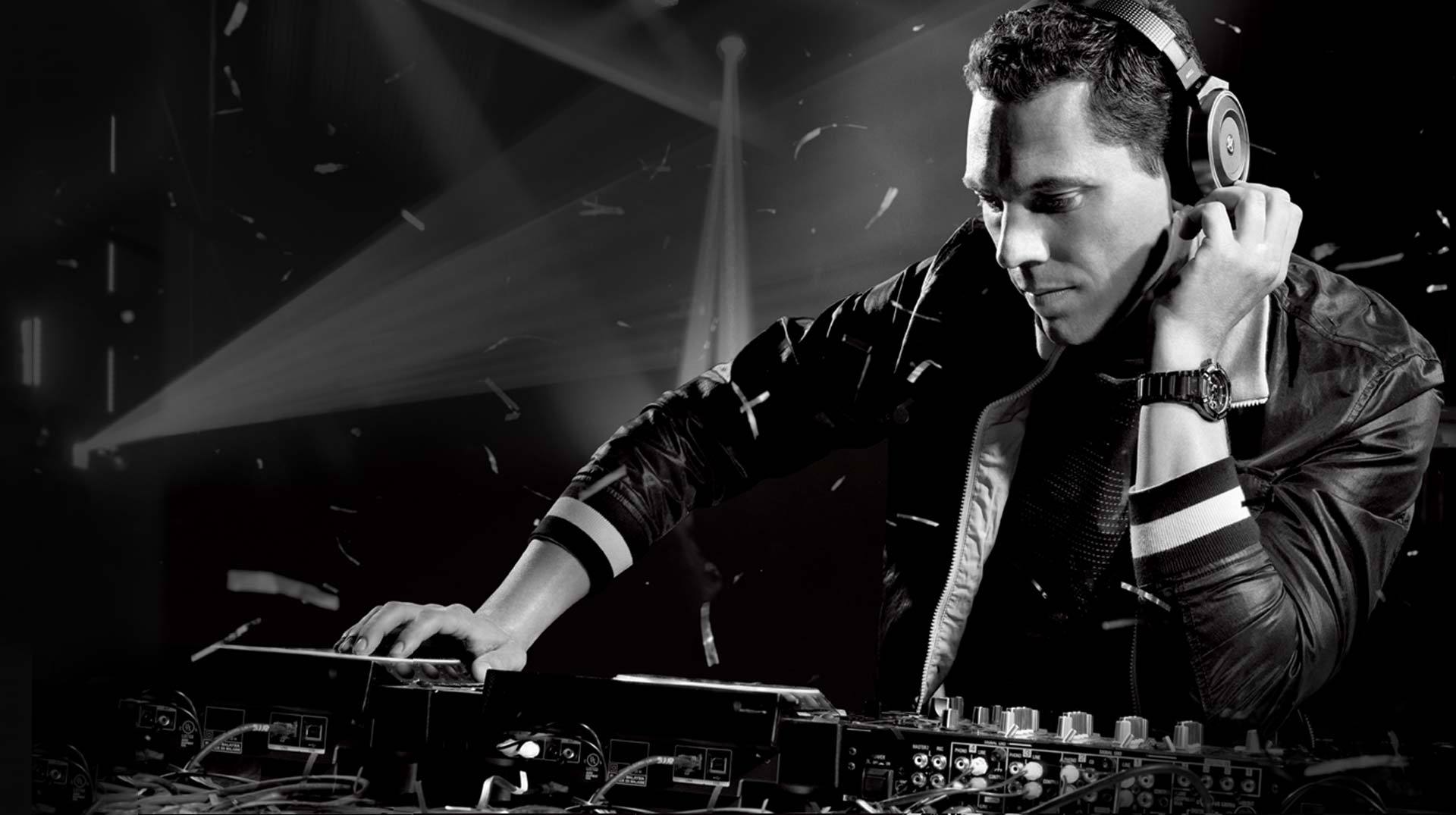 Tiesto & Mike Williams – I Want You (Video)