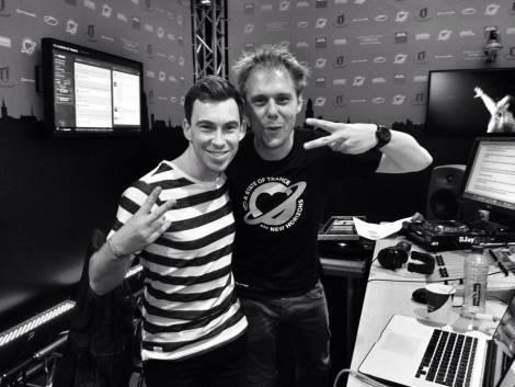 Hardwell & Armin van Buuren – Off The Hook (Preview)