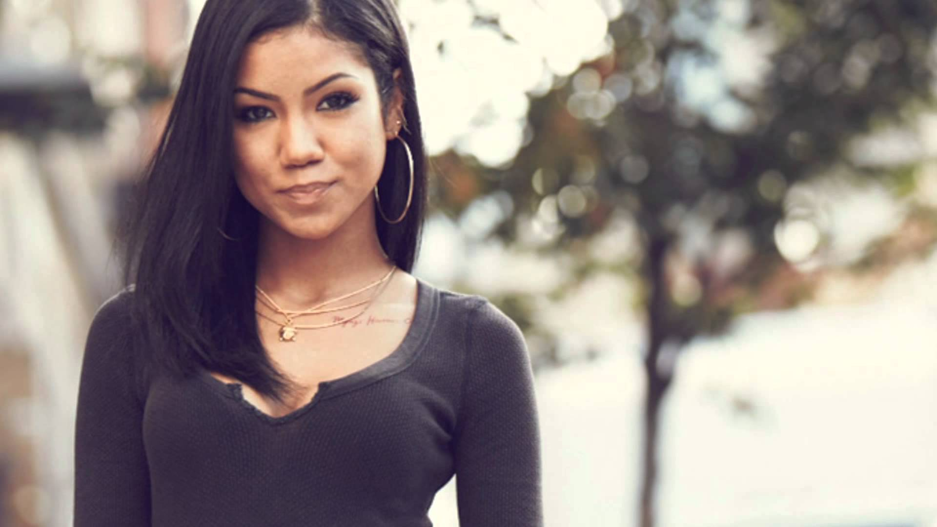 Mali Music feat. Jhene Aiko – Contradiction (Video)