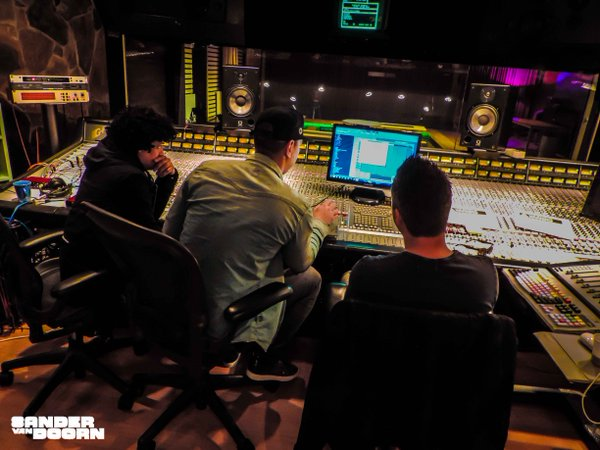 Sander Van Doorn & Pep & Rash – White Rabbit (Preview)