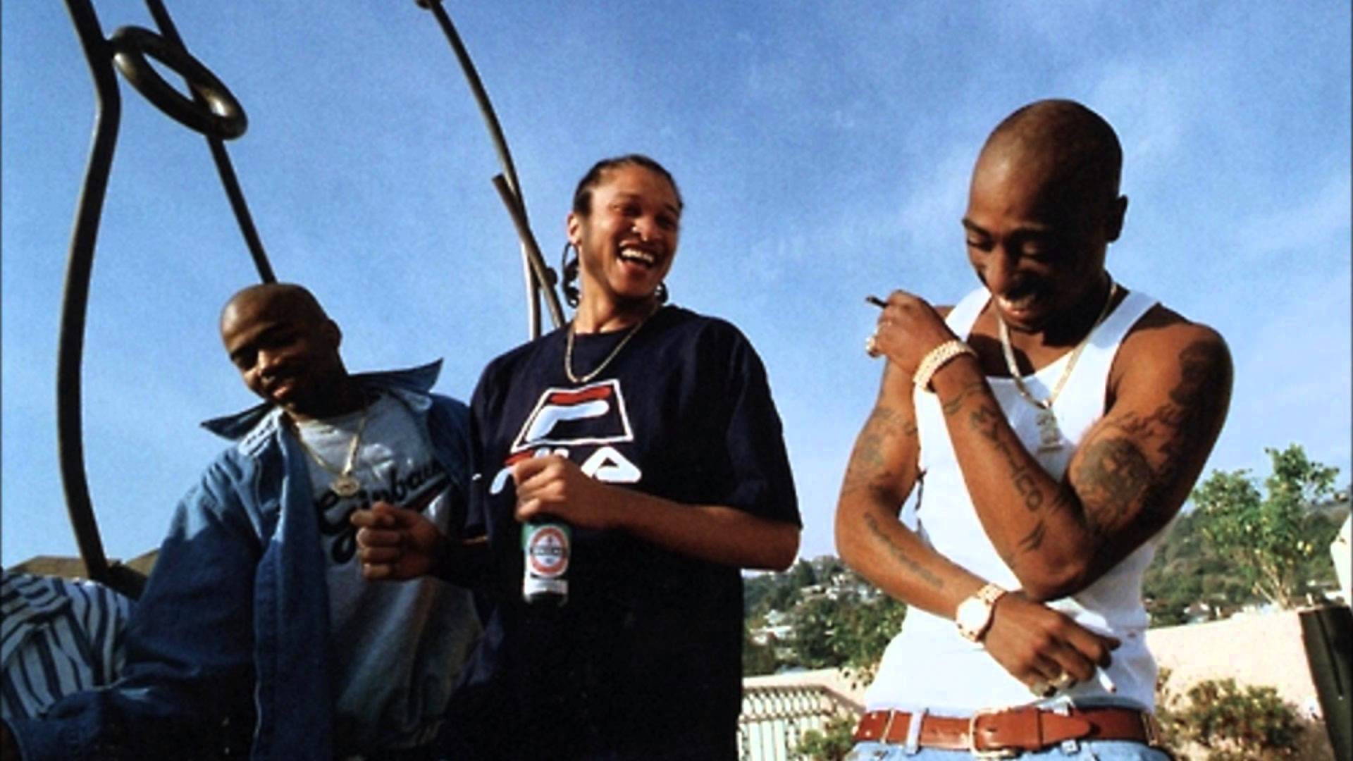 2Pac feat. The Outlawz – Hail Mary (Video)