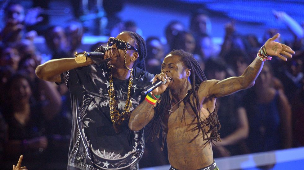 2 Chainz & Lil Wayne – Gotta Lotta (Video)