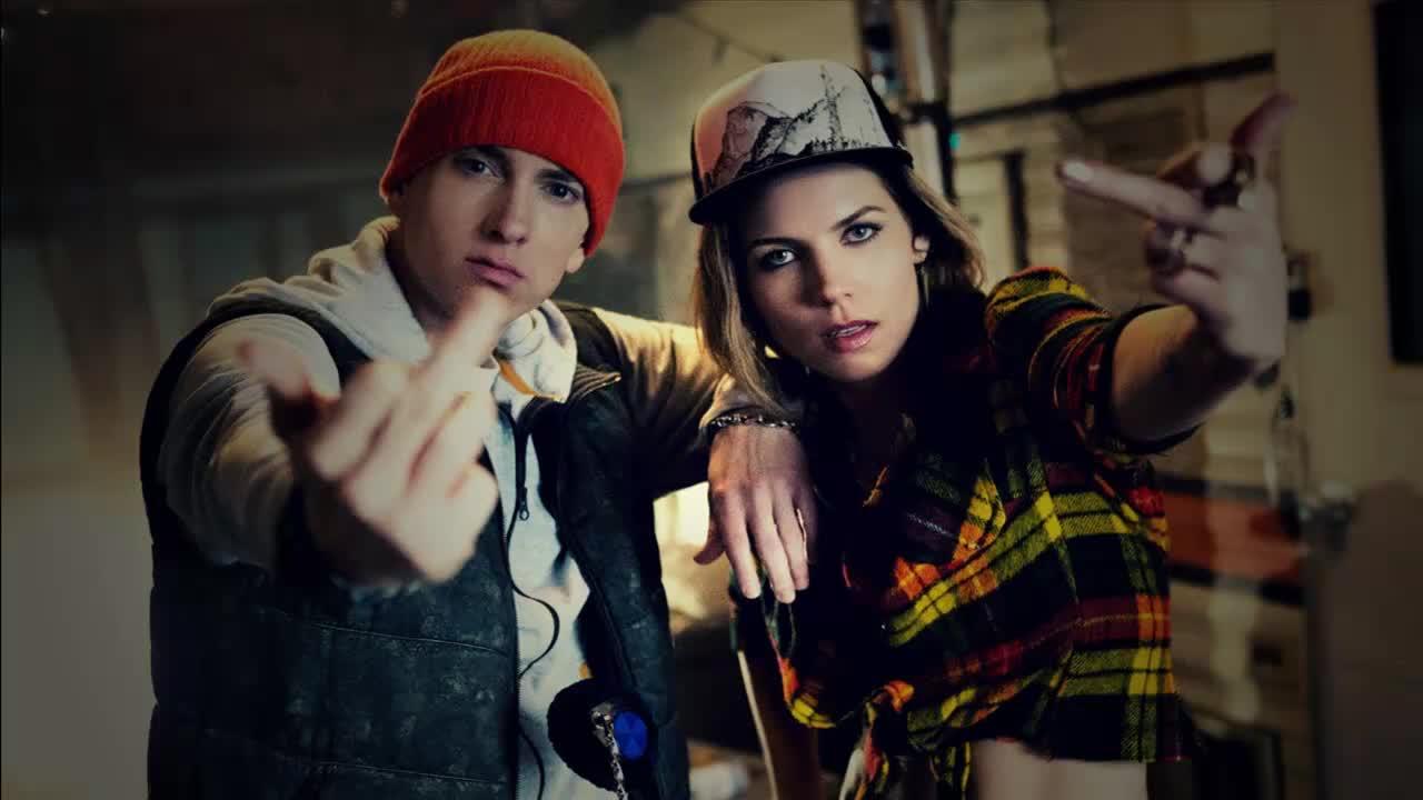 Skylar Grey feat. Eminem – Kill For You
