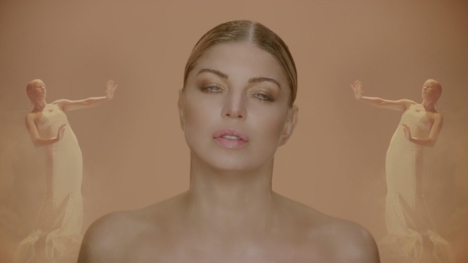 Fergie – Love Is Pain (Video)