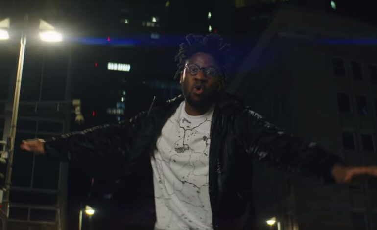 """Δείτε το επίσημο βίντεο του """"Downtown"""" από R3hab & Kelvin Jones"""