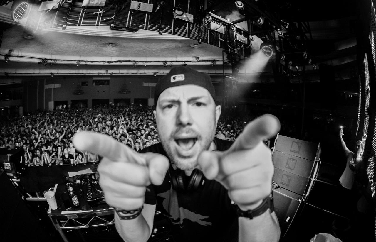 Eric Prydz – Live Set (Ultra Music Festival 2015) (ID Tracklist)